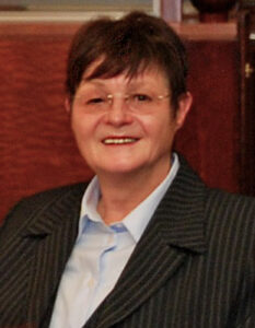 Dr. Renate Estel